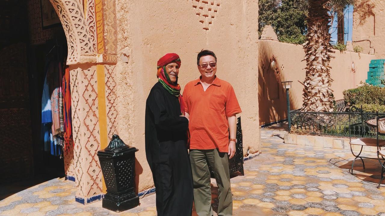 在撒哈拉大沙漠 当地人都开啥车?  #摩洛哥